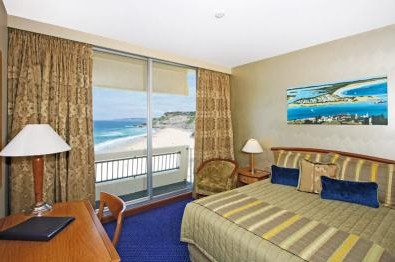 Quality Hotel Noahs on the Beach - Accommodation Perth