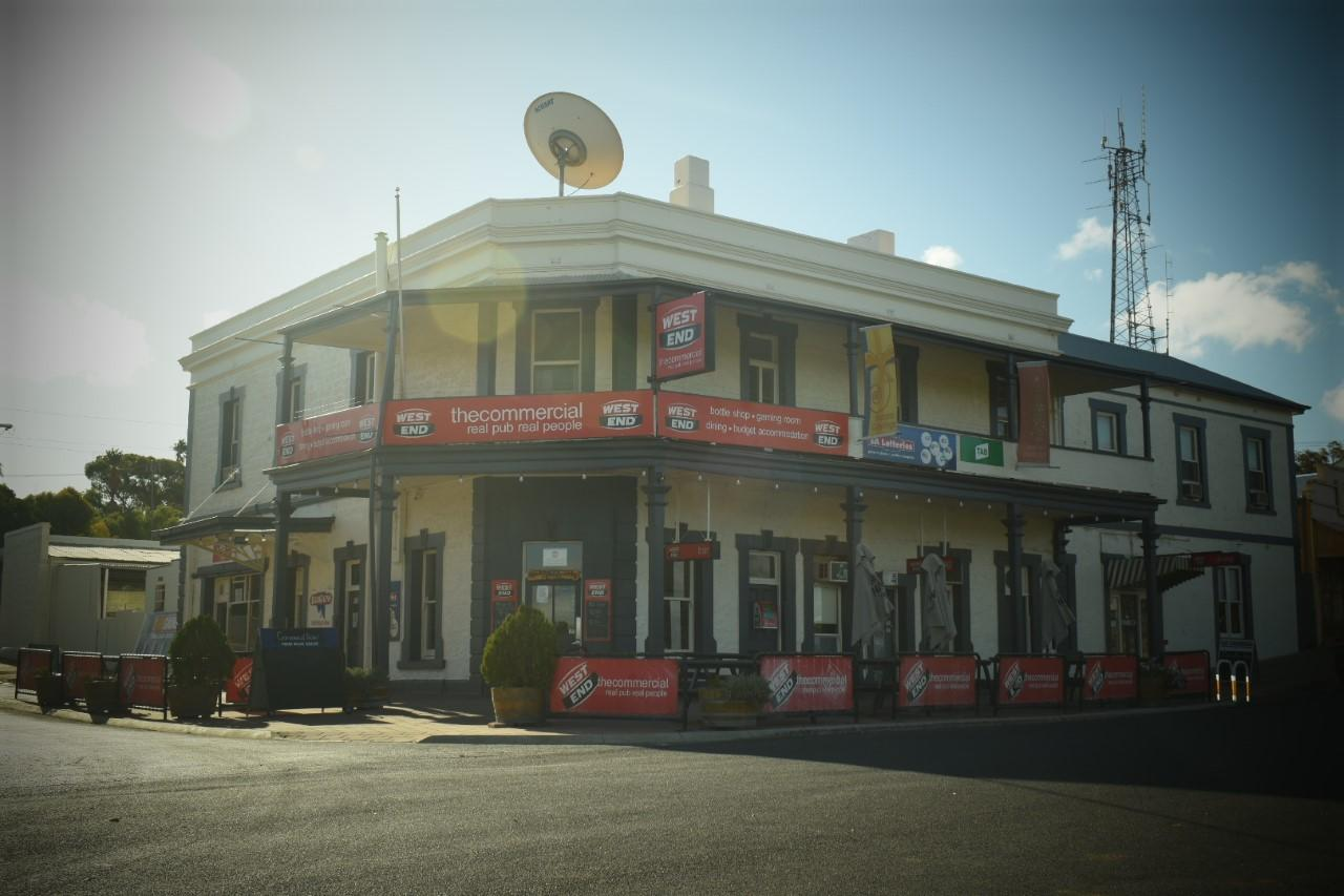 Commercial Hotel Morgan - Accommodation Perth