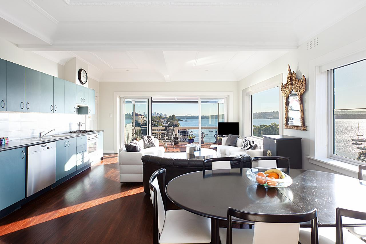 Art Deco Apartment With Breathtaking Water Views - Accommodation Perth